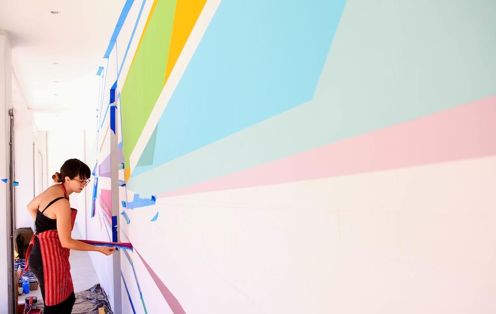 Rainbow Window Art Brightens Up Buitenkant Street Design