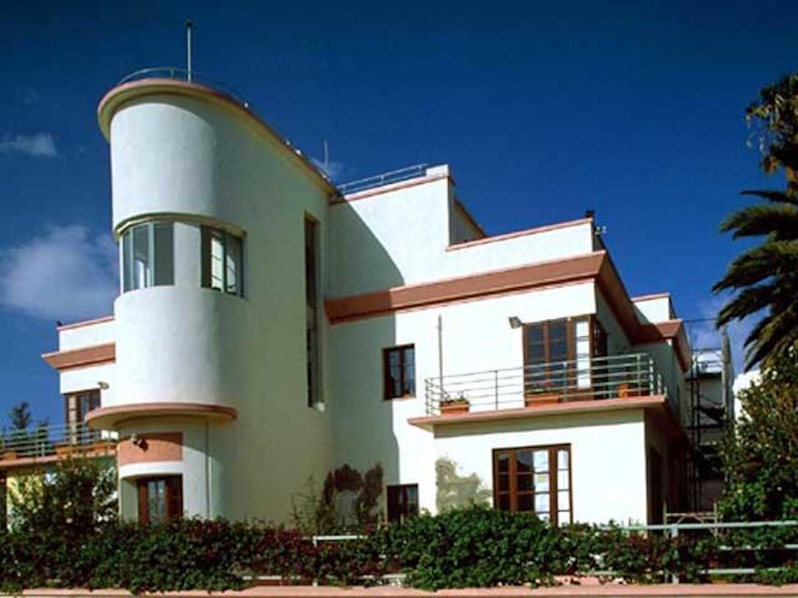 asmara architecture modernist early modern historic deco eritrea center project modernism buildings examples example unlikely estilo unesco 2004 monuments casa