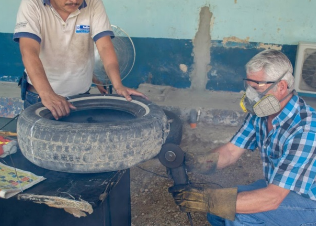 Mosquito-trapping tyre