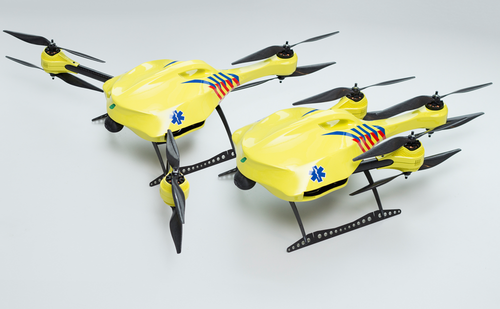 drone with gps and camera with Student Invents Ambulance Drone Speedy Medical Assistance on Los Usos Mas Extranos De Los Drones in addition Watch together with Odometre Roue Rayons Nestle additionally Subwoofer Pioneer Ts W3002d4 12 3500w 5048 additionally Vapor 55.