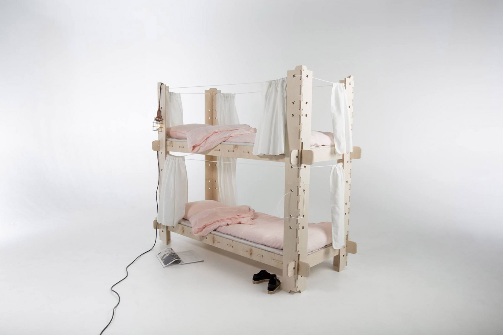 Students Design Temporary Furniture For Displaced People