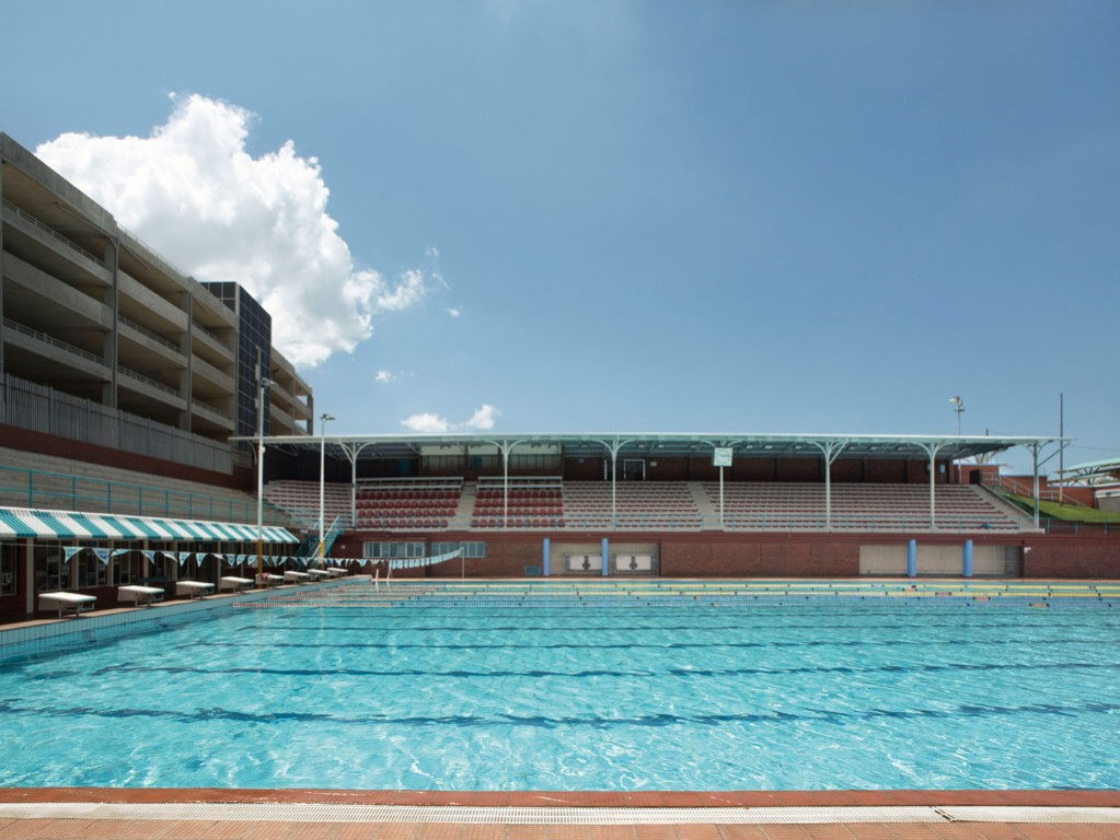 10 best swimming pools to cool off in johannesburg for Pool design johannesburg