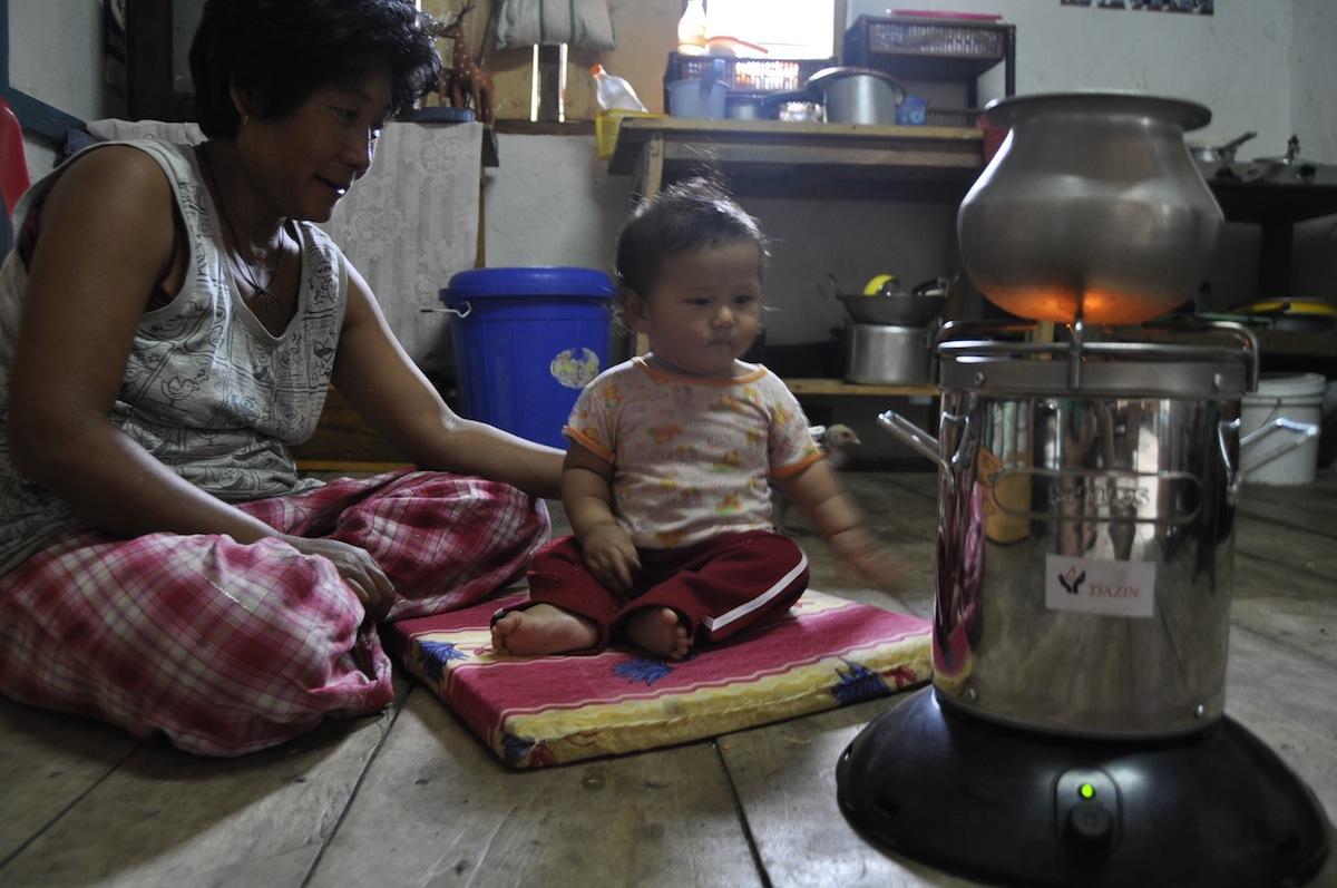 dazin s renewable cooking fuel saves lives design indaba