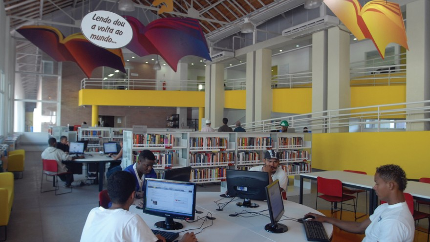 Library as part of the Manguinhos Accelerated Growth Programme.