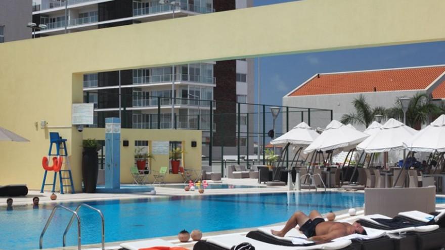 The swimming pool at the US$500-per-night Colinas do Sol Hotel, Talatona.