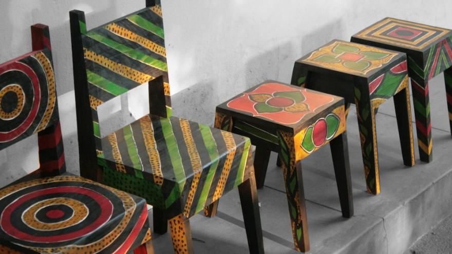 Project Painted children's chair by Ab Oosterwaal, Piratas do Pau, Mozambique.