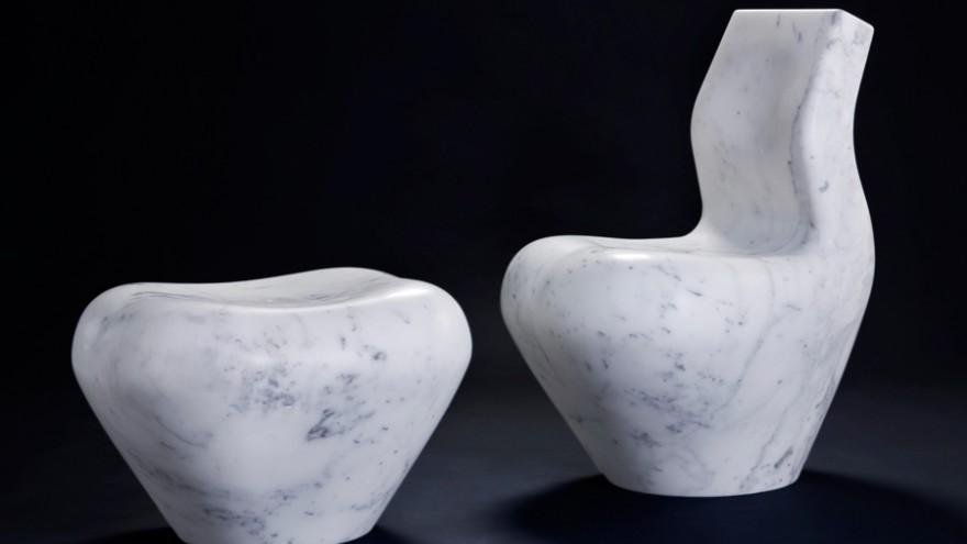 White Swan in white carrara marble. Photo: Tiziano Rossi.