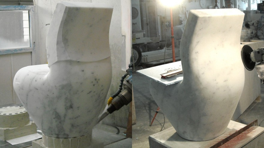 Sculpting Swan in India in clay and plaster. Photo: Satyendra Pakhalé Design Studio.