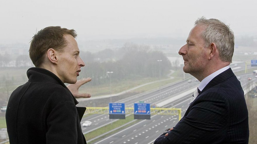 "Daan Roosegaarde's ""Smart Highway"""