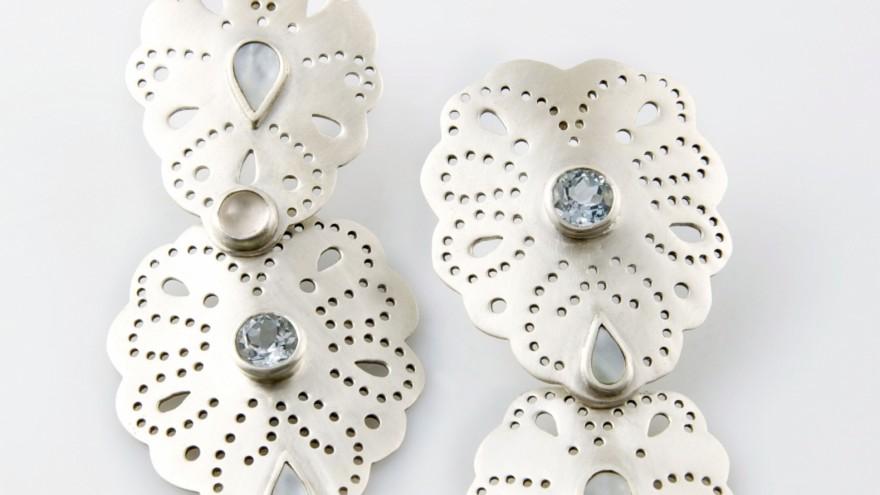 Sugarplum earrings by Schwarzie.
