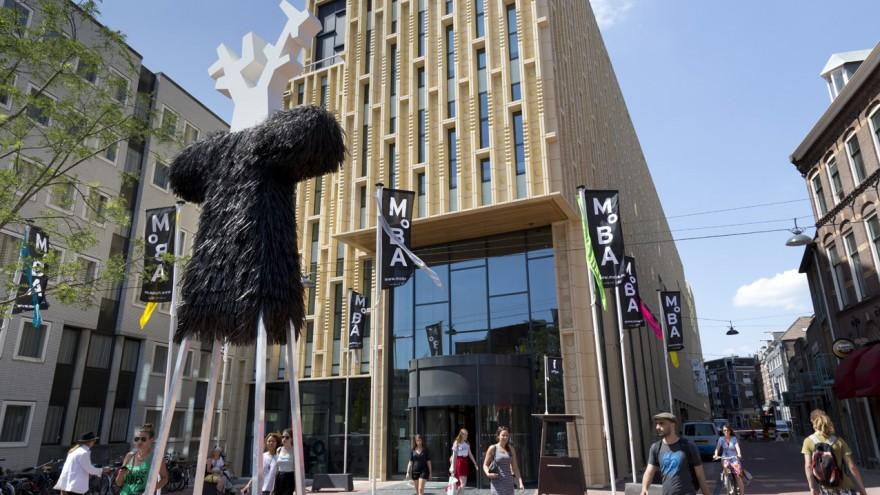 M°BA Fashion Biennale in- and outdoor design by Ineke Hans. Photo: Gerrit Schreurs.
