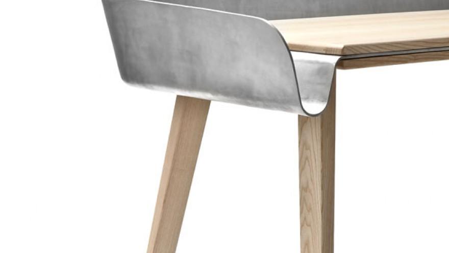 Homework desk by Tomas Kraal.