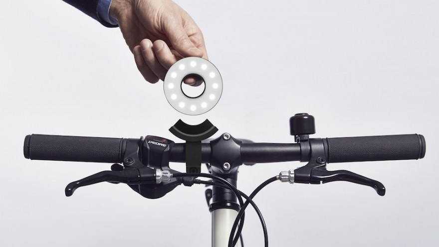 Double O bike light by Paul Cocksedge launched on Kickstarter.