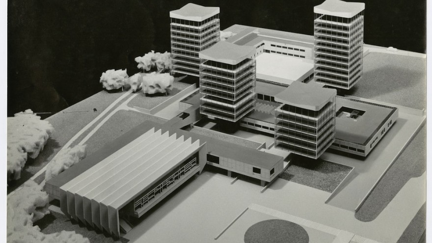 Photo of the model for the Town Hall in Marl Germany, 1957, collection Het Nieuwe Instituut, BAKE ph22, Van den Broek en Bakema Architects
