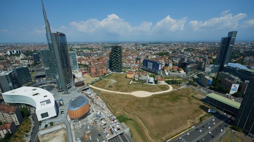 Wheatfield Milan makes a bold statement amongst city skycrapers.