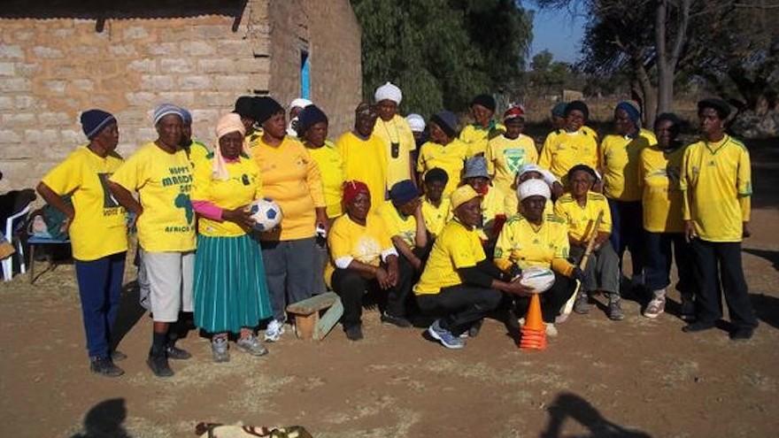 Kawu Koenaite gave an old women's soccer team in a rural area a matching kit
