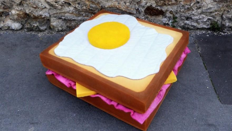 Egg sandwich sculpture