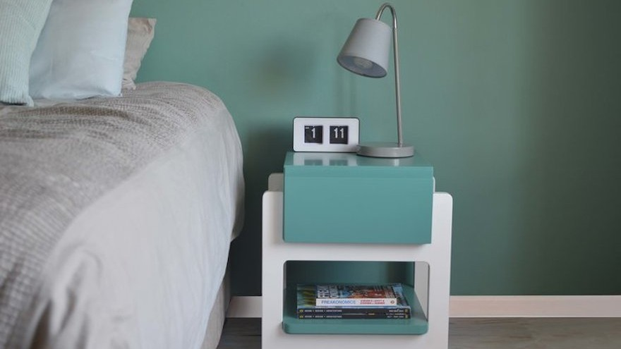 'H' bedside table by Carien Momsen