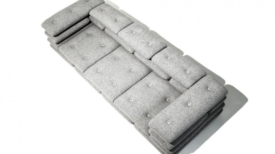 Brick couch by KiBiSi.