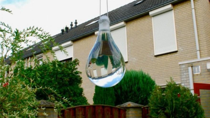 Anti-Fly Sphere 2.0 by José de la O.