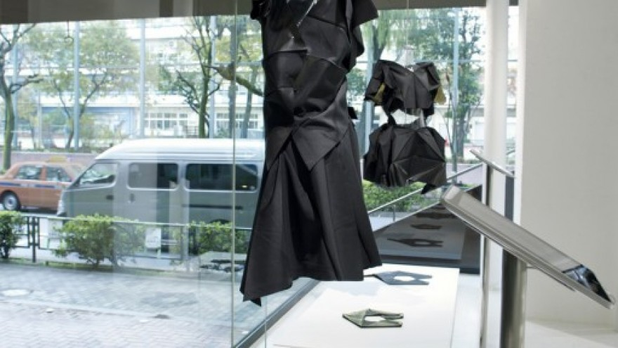 132 5. Issey Miyake store designed Tokujin Yoshioka. Photo: Yoshinaga Yasuaki.
