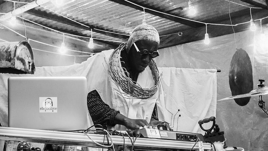 DJ Steloo