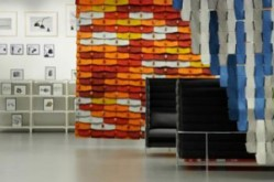 The North Tiles - A showroom for Kvadrat in Stockholm (Les Tuiles : un showroom pour Kvadrat à Stockholm) ­(2006) partition system