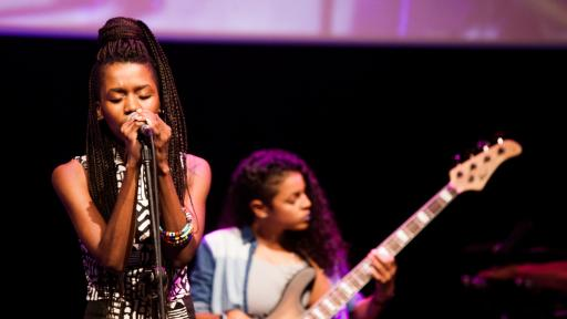 Nonku Phiri on stage. Image: Jonx Pillemer