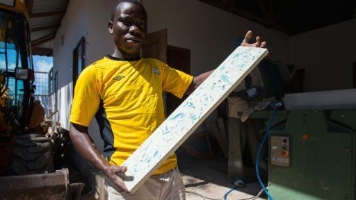 bottle-up initiative Zanzibar