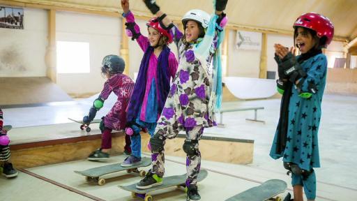 Skate girls cheer