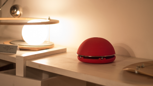 Egloo on shelf