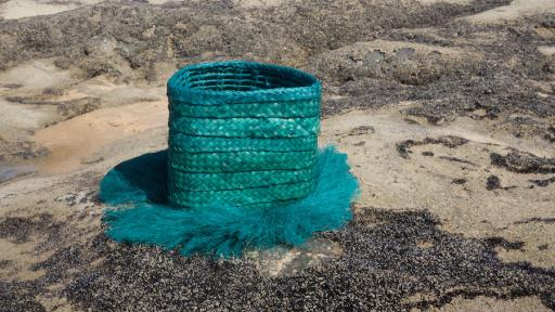Linde Freya's basket collection made up of Carnuaba palm fibres and inspired by the dune landscape of Lençóis Maranhenses.