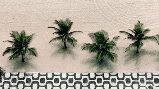 Copacabana beach front. Photo: Via zupi.