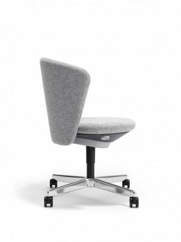Bay Chair by PearsonLloyd.