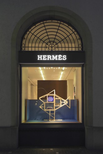 Hermès window display by ECAL Master's graduate Hongchao Wang of Benwu Studio.