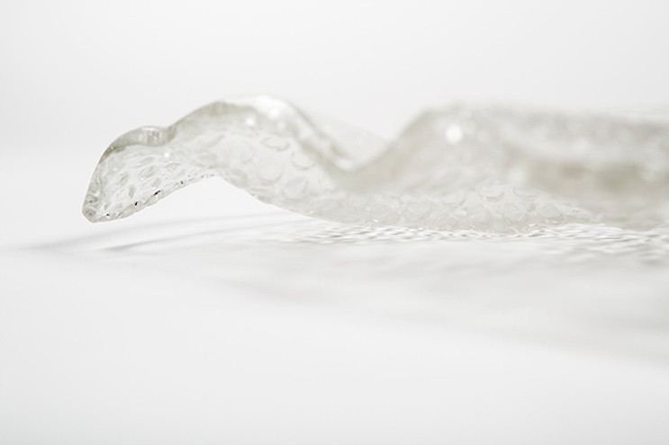 Studio MeDa makes a glass plate inspired by bubble wrap. Images: Studio Meddle