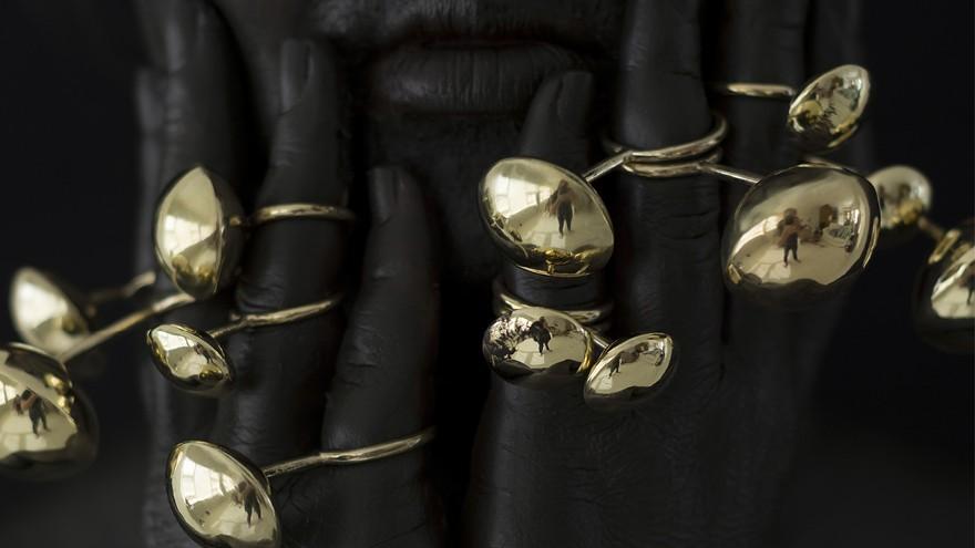 Lynne Avis: Obtuse Jewellery