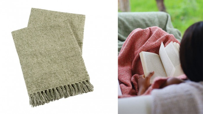 The New York Day collection makes use of a laidback chunky weave in faded colours such as coral, moss and beige.