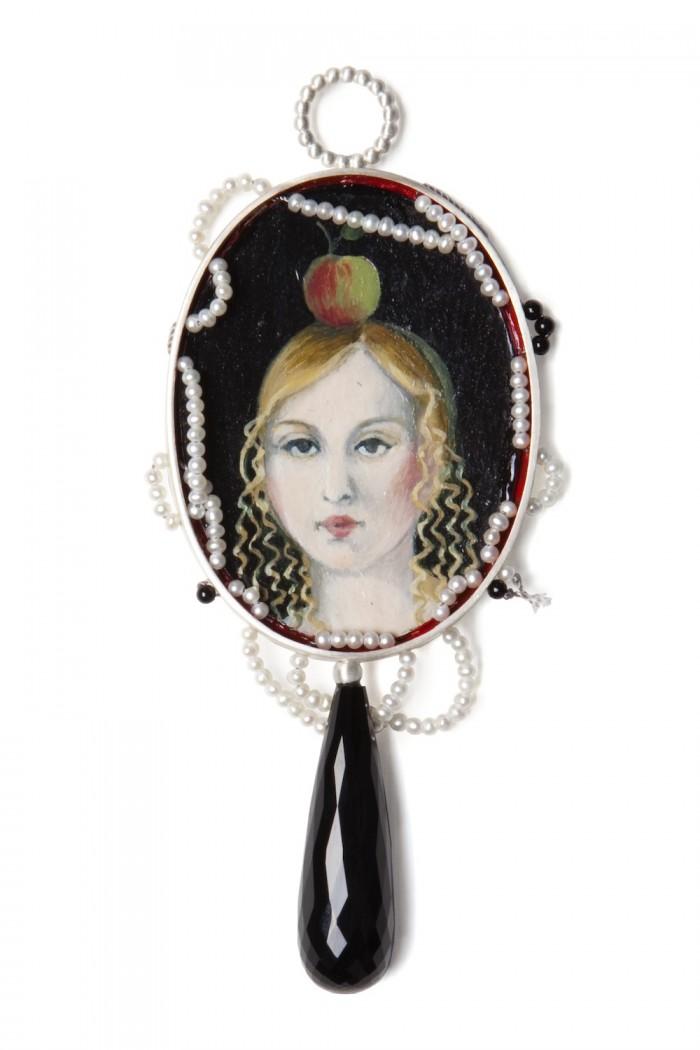 """Geraldine Fenn jewellery piece for """"Tableaux"""""""