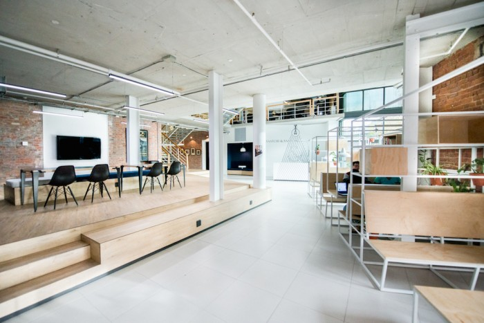 Breaking down walls for saatchi saatchi s office for Redesign office space
