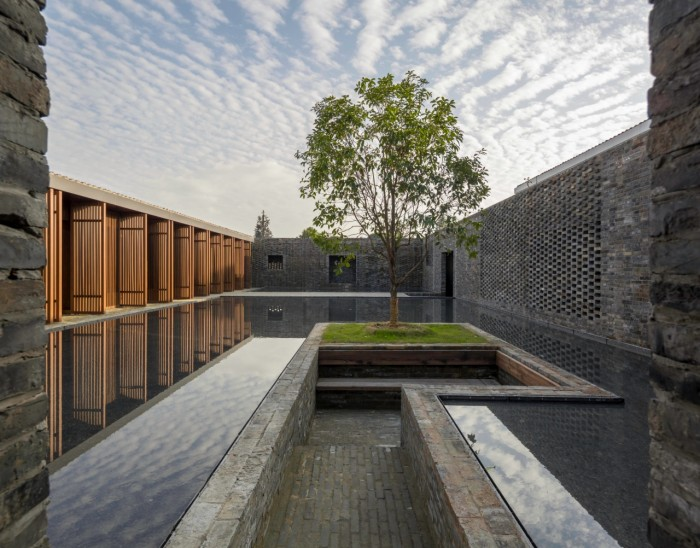Tsingpu Yangzhou Retreat, Yangzhou, China 2017_ photo by Pedro Pegenaute