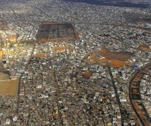 Senegal aims to ease congestion by building a new city. Image: http://www.crisan.ro/