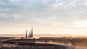 Subterrafuge on the Karoo horizon at Afrikaburn 2015. Photo by Jonx Pillemer.