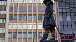 Yarn bombing in Cape Town by Isabeau Joubert.