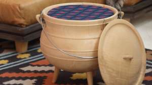Wooden Potjie Pot by Mlondolozi Hempe and Laduma Ngxokolo. Image: Henk Hatting.