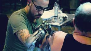 Prosthetic tattoo machine