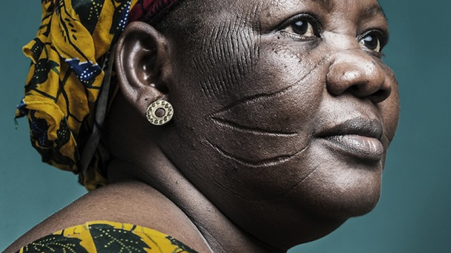 """""""'Hââbré' is the same word for writing/scarification"""" in Kô language from Burkina Faso. Scarification is the practice of performing a superficial incision in the human skin,"""" she explains. Image: Joana Choumali."""