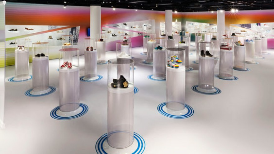 Out of the Box exhibition design by Karim Rashid. 9d8f34df8