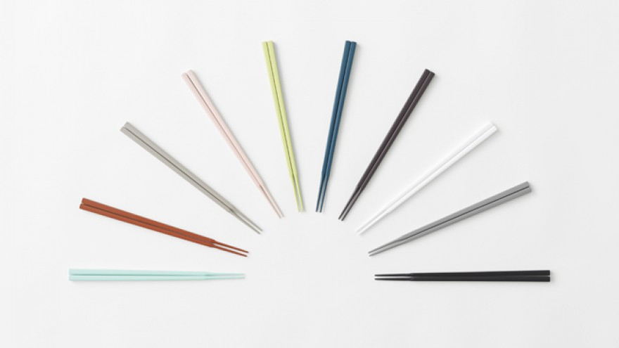 The Jikaoki chopsticks by Nendo. Image: Akihiro Yoshida.
