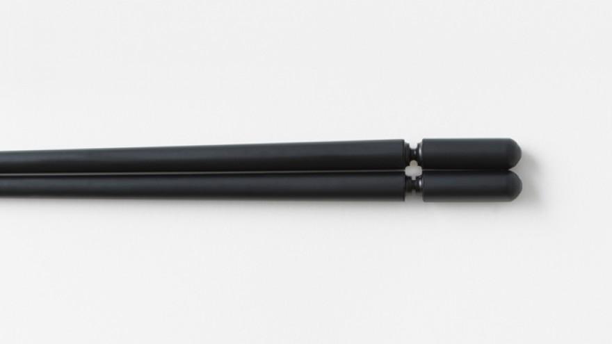 The Sukima chopstick design by Nendo. Image: Akihiro Yoshida.